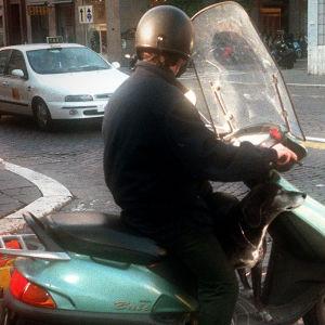 Rooman katuliikennettä