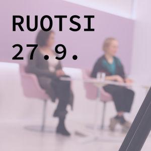 Kuvassa lukee: ruotsi 27.9. yo-koelähetykset syksy 2018. Tekstin taustalla näkymä yo-koelähetysten studiosta.