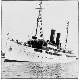 Matkustaja-alus S/S Rügen saapumassa Helsingin Eteläsatamaan 21.7.1924.