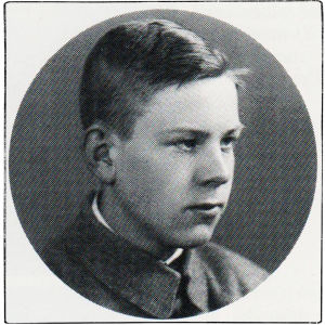 Viulisti Sulo Aro 14-vuotiaana suojeluskuntalaisena 1918.