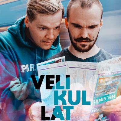 Velikullat komediasarjan päähenkilöt Santtu ja Miksu katsovat Helsingin karttaa