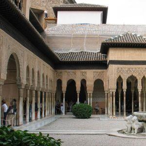Granadassa oleva Alhambran palatsi