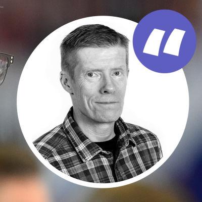 Jukka Jalonen, en medelålders man i glasögon, stirrar stint. På bilden en bild av Anders Nordeswan och ett lila citattecken.