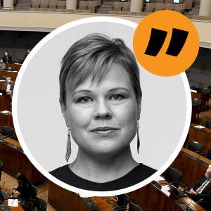 Riksdagens plenum den 14 maj 2021. Ovanpå en bild på redaktör Ingemo Lindroos. Bildmontage.