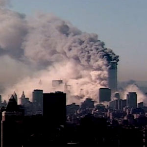 World Trade Center palaa (2001).