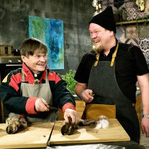 Ville Haapasalo tutustuu saamelaiseen keittiöön.