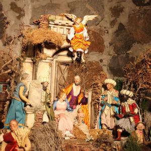 Roomalainen jouluseimi Arco di Dolabella Hgin Tuomiokirkon kryptan näyttelyssä joulukuussa 2013.