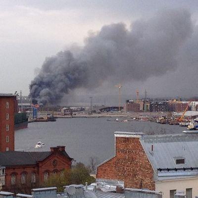 Brand i Byholmen i Helsingfors den 28 april 2014.