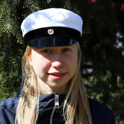 Nelli Mikkilä on kevään uusi ylioppilas