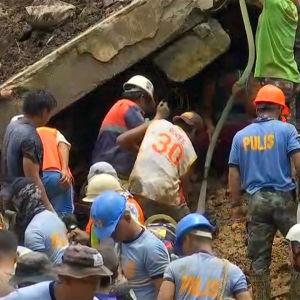 Räddningsarbetare i Filippinerna