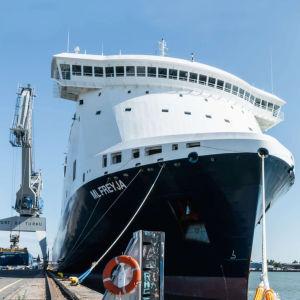 Roro-fartyget M/S ML Freyja i Åbo hamn.