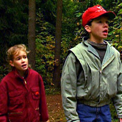 Kultainen salama oli nuorten seikkailusarjan tv-ohjaus vuodelta 1994.