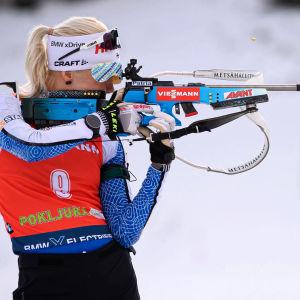 Kuvassa ampumahiihtäjä Kaisa Mäkäräinen.