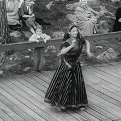 Leena Rintala tanssii.