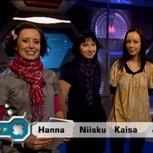 Vuodenvaihdetta 2008-2009 olivat juhlistamassa Hannan ja Jarin lisäksi Galaxin reissureportteri Niisku ja nettitoimittaja Kaisa.