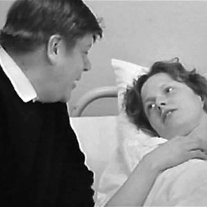 Gunnar och Stina Bergström på sjukhus, 1972