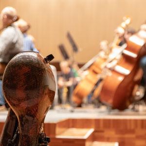 Oulun sinfoniaorkesteri harjoittelee