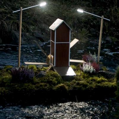 Siipirattaalla sähköä tuottava minivoimala Simpeleellä.
