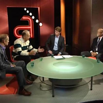 A-talkin keskustelussa syksyllä 2010 Mikael Fogelholm, Pekka Puska, Kari Salminen ja Taija Somppi. Toimittaja Markus Liimatainen