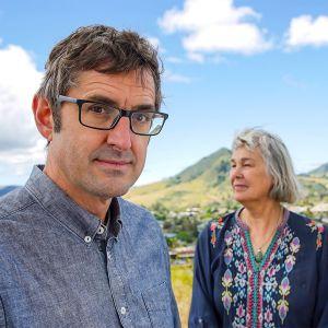 Louis Theroux Gus Thomasonin vaimon Raeannan ja tyttären Lilianin kanssa San Luis Obispossa Kaliforniassa.