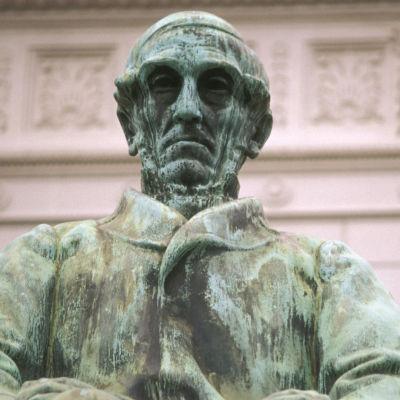 J.V.Snellmannin patsas