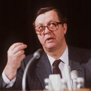 Kalevi Sorsa (1986).