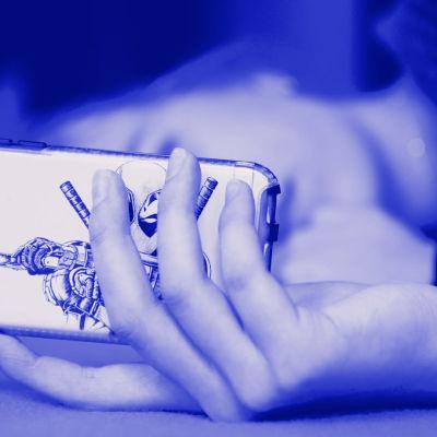 Kahden käden sormet muodostavat neliön. Siinä on teksti Tekijänoikeudet. Kuvassa myös tekstit Digitreenit ja yle.fi/oppiminen.