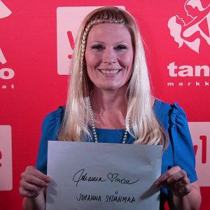 Johanna Sydänmaa osallistuu Seinäjoen Tangomarkkinoiden laulukilpailuun.