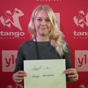 Katja Hirvonen osallistuu Seinäjoen Tangomarkkinoiden laulukilpailuun.