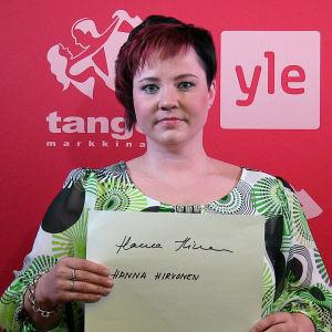 Hanna Hirvonen osallistuu Seinäjoen Tangomarkkinoiden laulukilpailuun.