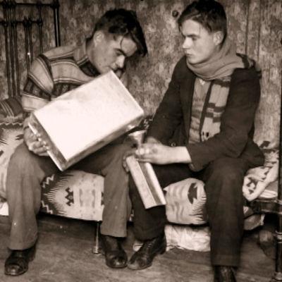 Kaksi miestä ja pirtukanisteri