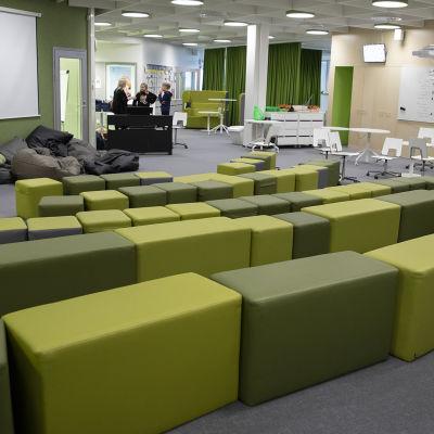 Kookas oppimisympäristö Hiukkavaaran koulussa Oulussa