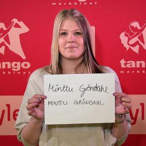 Minttu Gröndahl osallistuu Seinäjoen Tangomarkkinoiden laulukilpailuun.