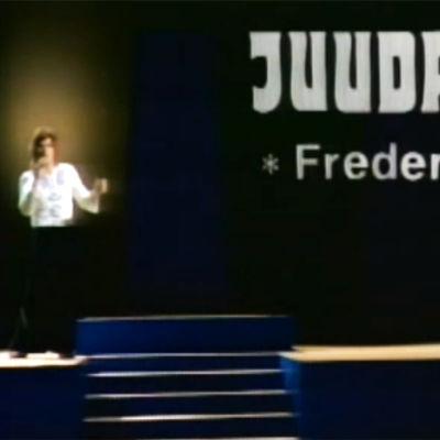 Frederik esiintyy Pop Story -ohjelmassa.