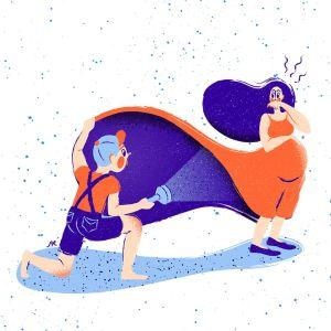 Kuvituskuva: Pieni poika tuijaa taskulampulla raskaana olevan naisen mekon alle.