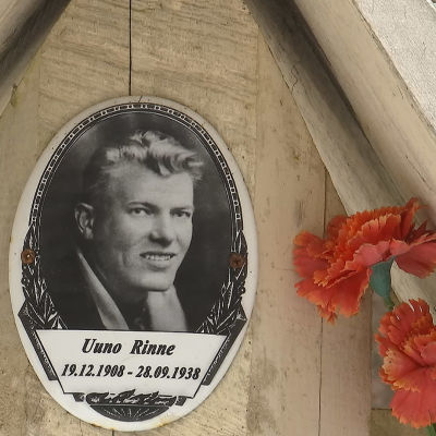 Uuno Rinteen hautaristi Krasnyi borin hautausmaalla