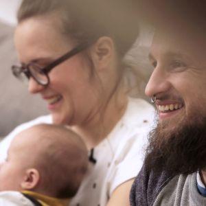Karin Lindroos med familj under inspelningarna av TV-programmet Cirkus familj