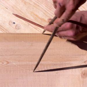 Jim ritar upp en ram.