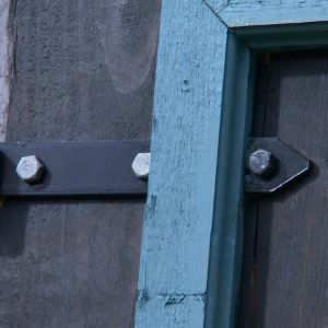 Vedlidrets nya dörr, detalj.