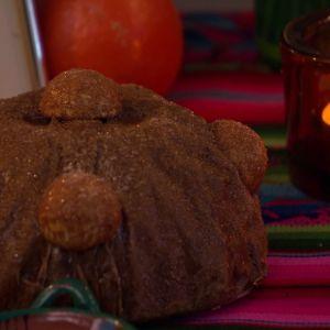 Kakor och bröd hör till firandet.
