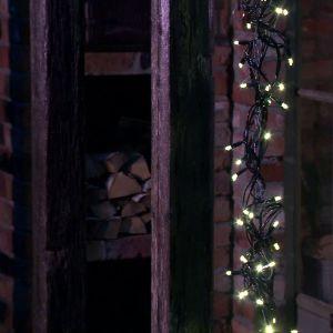 Owes och Annes istapp av ledlampor.