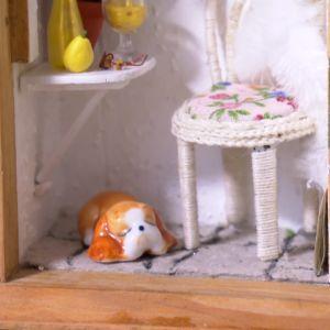 Sovande hund i miniatyr