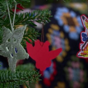 Virkade julstjärnor och julkanin