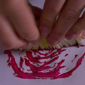 Tryck rosens andra halva.