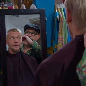 Jim får ny frisyr.