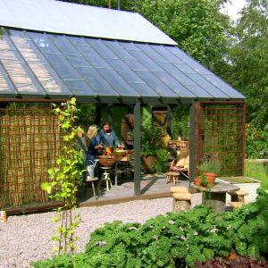 Växthuset i trädgården på Strömsö.