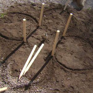 rundstav nedstucken i jord
