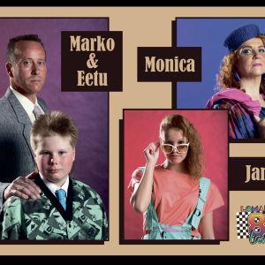 Marko, hänen poikansa Eetu ja Jane ja Monica poseeraavat fanijulisteessa.