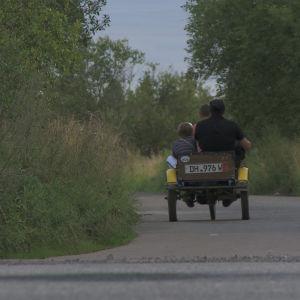 Ville Haapasalo ja Volga 30 päivässä, omatekoinen mopo