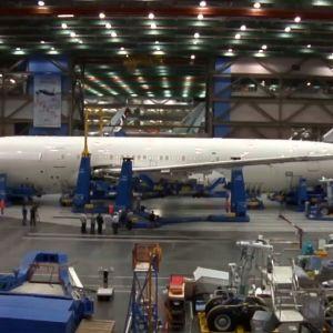 Boeing 787 kokoonpanotehtaalla Everettissä
